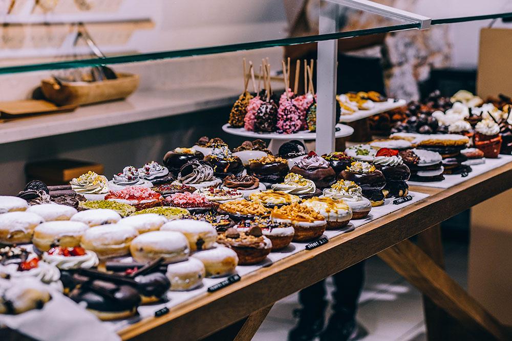 home gourmet cake buffet